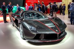 Ferrari отказалась продавать гиперкар любителю соцсетей