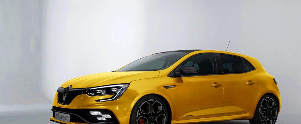 В Сети появились изображения «заряженного» Renault Megane RS