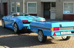 В Нидерландах сфотографировали суперкар Lamborghini с прицепом