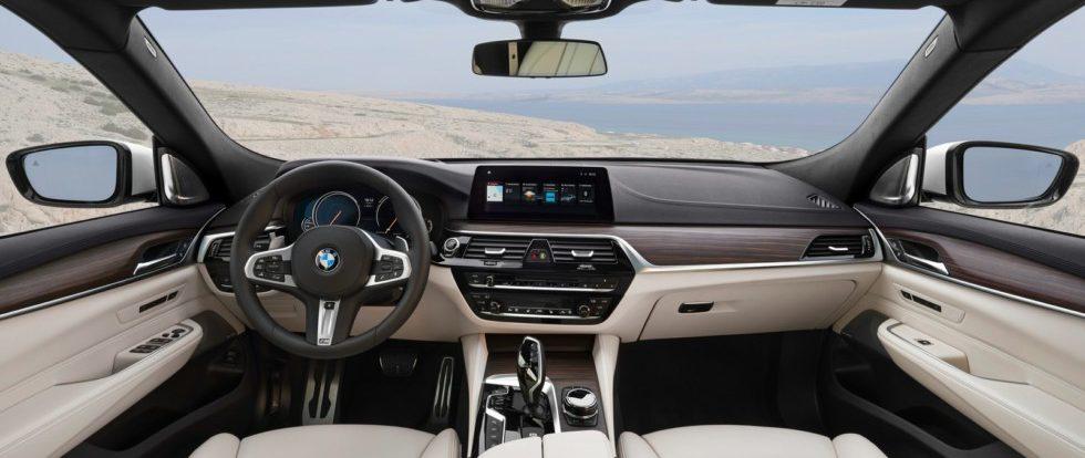 Названы российские цены на новый литфбэк BMW 6 Series GT