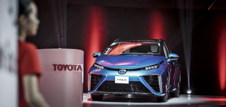 Toyota выпустит электрокары с аккумулятором нового типа в 2022 году
