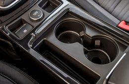 Ford тестирует подстаканники с перегрузкой 5g
