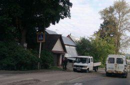 В Смоленске провалился «Мерседес»