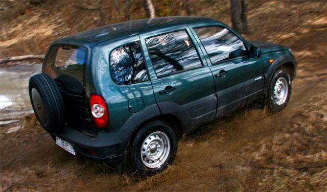 Внедорожник Chevrolet Niva стал безопаснее и дороже