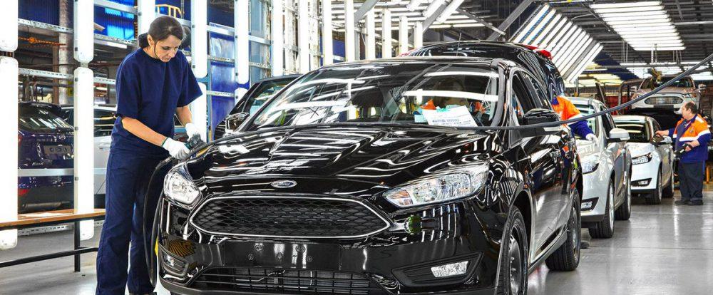 Ford ограничит производство легковых машин