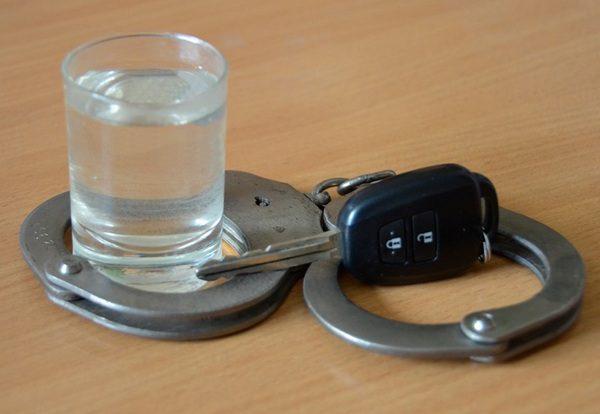Два смоленских водителя разъезжали пьяными за рулём
