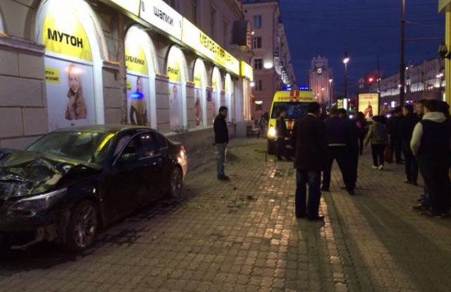 На Свердлова столкнулись два транспортных средства
