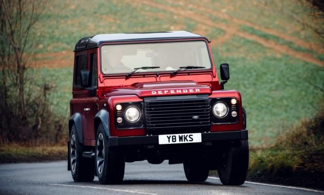 Land Rover Defender вернулся в мощной особой версии