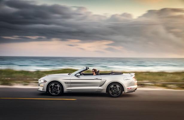 Спецверсию Ford Mustang посвятили 50-летнему спорткару