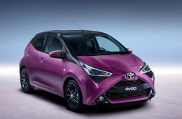 Хэтчбеку Toyota Aygo добавили мощности