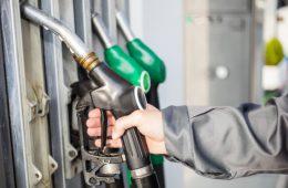 Розничные цены на бензин в России готовятся к росту