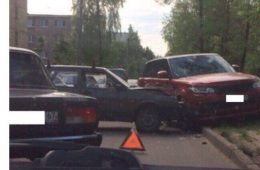 В Рославльском районе опрокинулся грузовик с прицепом