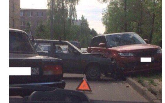 В Смоленске грузовик сбил женщину