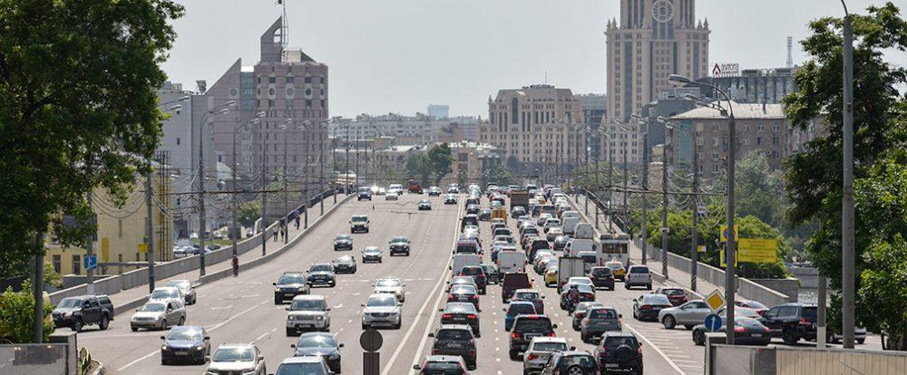Средний возраст автомобилей в России превысил 13 лет