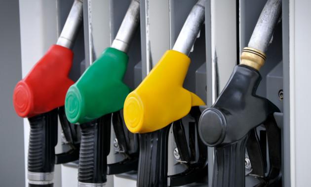 Бензин в России продолжает дорожать пятую неделю подряд