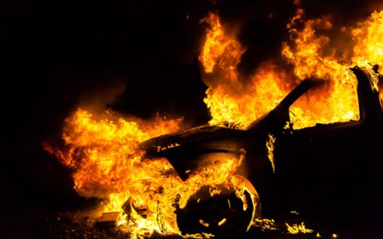 В Гагарине огонь охватил сразу три иномарки