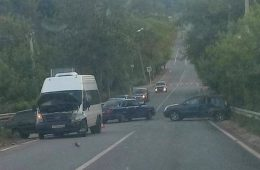 В Смоленске на Гагарина маршрутка врезалась в «ВАЗ»