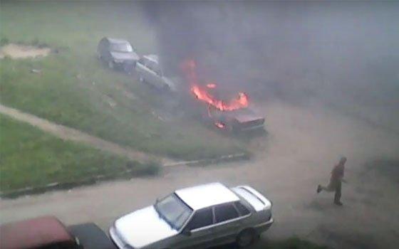 В Вязьме «ВАЗ 2105» сгорел дотла