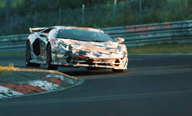 Lamborghini Aventador SVJ побил Porsche GT2 RS на Нюрбургринге