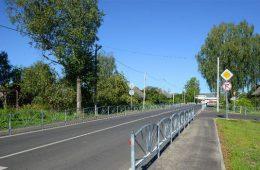 На трассе М-1 в Смоленской области столкнулись три машины. Пострадала пенсионерка