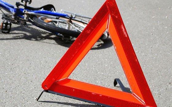Велосипедист попал под фуру на трассе в Ярцевском районе
