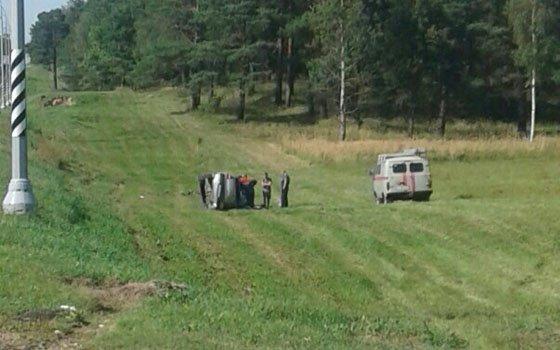 Страшное ДТП в Ленобласти: в перевернувшейся маршрутке пострадал смолянин