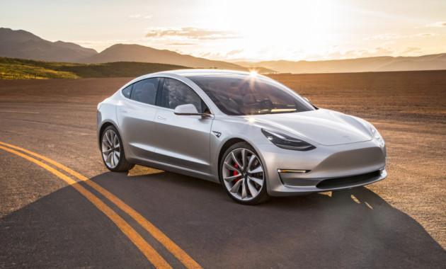 Tesla Model 3 по итогам июля «разгромила» немецких и американских конкурентов на рынке США