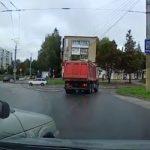 На проспекте Строителей в Смоленске случилась серьезная авария
