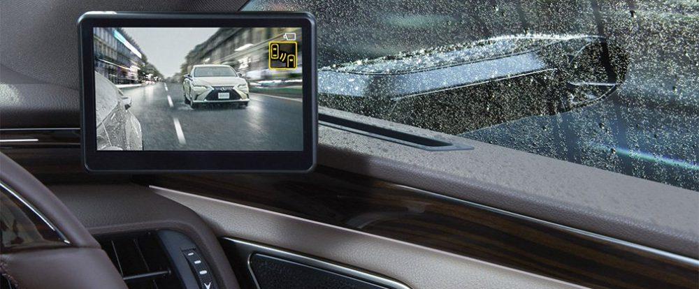 Автомобили Lexus получили камеры вместо боковых зеркал