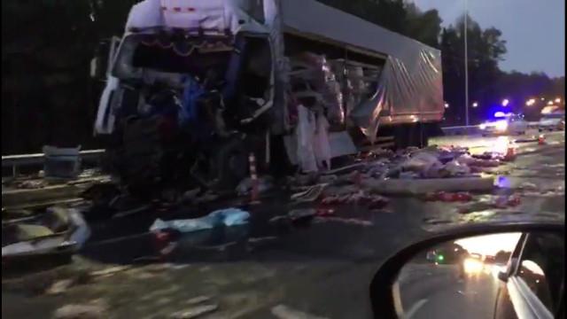 Жуткое ДТП: «кабину водителя буквально срезало»