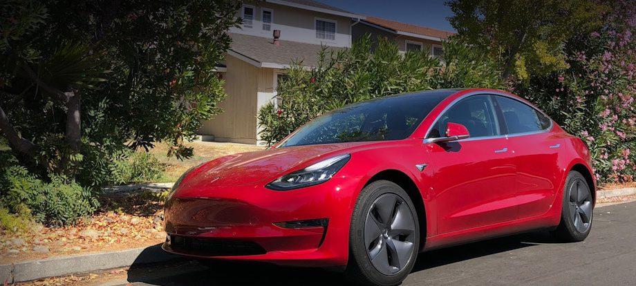 Фирма Tesla провела «самое существенное» обновление софта