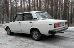 «Жигули» со штатным «автоматом»: в Беларуси продается редкий ВАЗ-2105