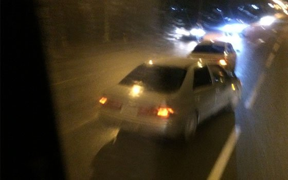 На проспекте Строителей в Смоленске «Камаз» «протаранил» иномарку