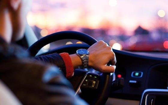 «Колом». В Смоленске водители стоят в огромной утренней пробке