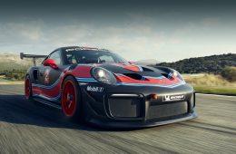Купе Porsche 911 GT2 RS Clubsport избавилось от лишнего