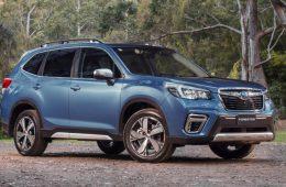 Новое поколение кроссовера Subaru Forester начали продавать в России