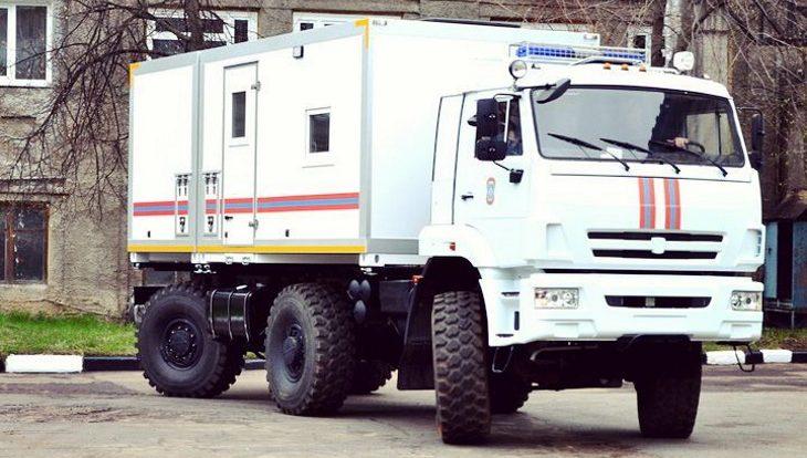 Фургон с контрабандными продуктами опрокинулся под Смоленском