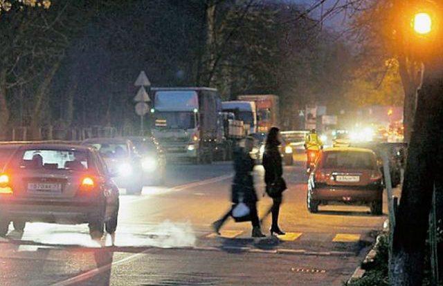 Водитель сбил женщину на Витебском шоссе в Смоленске и скрылся
