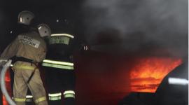 Автомобиль Toyota Land Cruiser сгорел ночью в Ярцево