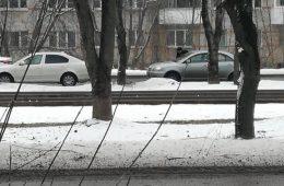 Маршрутка чуть не сбила пешеходов на переходе