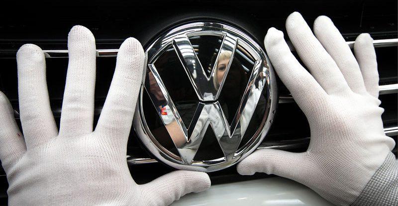 VW, BMW и Daimler обвинили в препятствовании экологическим технологиям