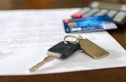 Автомобиль при оплате картой станет дешевле. Но не для клиента