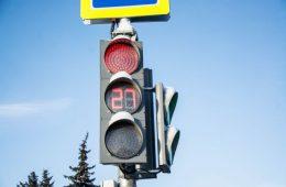На перекрестке в центре Смоленска погас светофор