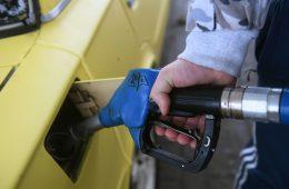 Заморозку цен на топливо продлят до июля