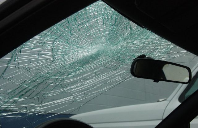 Смоленская полиция разыскивает очевидцев жесткого ДТП в Вязьме