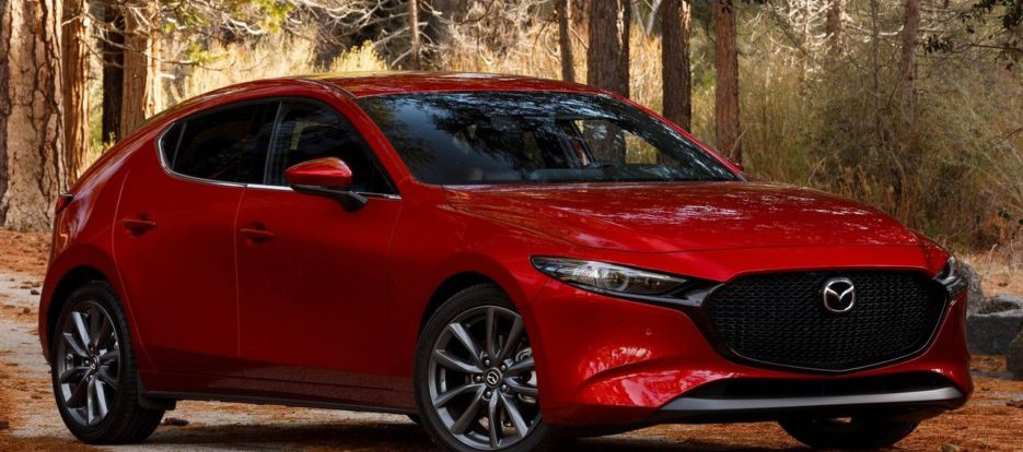Новая Mazda3 в первый год российских продаж – точно с «ручкой», а дальше?