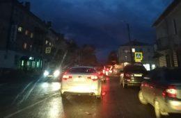 «Пешеходов не видно!» Вязьмичи жалуются на отсутствие освещения на центральной улице