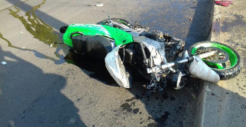 «Мотоциклист в реанимации». В смоленском райцентре произошло жесткое ДТП