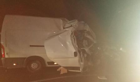 В Смоленской области фургон «догнал» самосвал