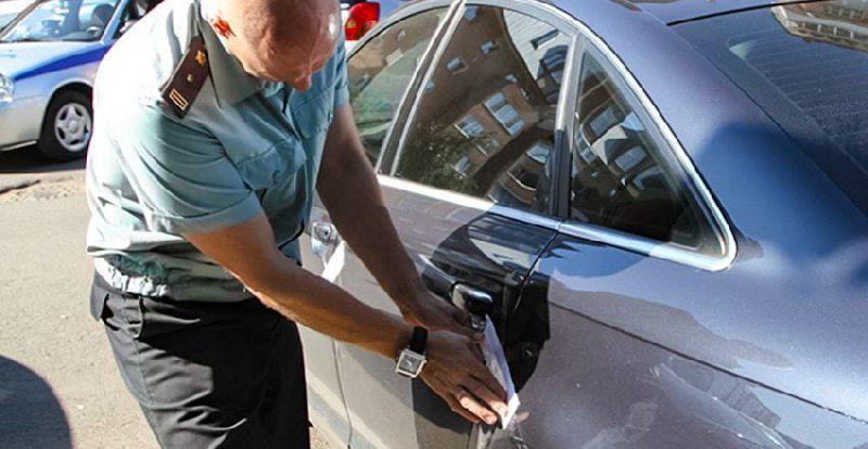 Долги перед налоговой и ГИБДД помешали смолянину продать авто